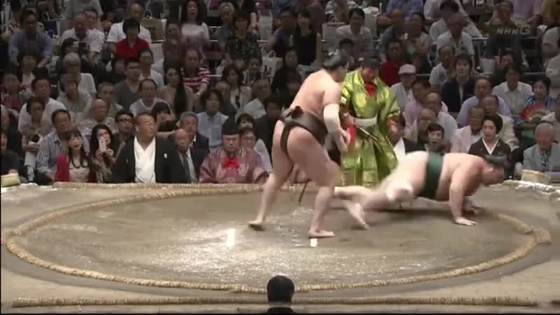 Lightning fast sumo. join list: SumoSlammers (162 subs)Mention History Yutakayamauho, Aki Basho 2018 Day 8 When you got sumo at 5 PM and dinner at 5:01.. I love this content and list. Didn't have any idea I'd enjoy sumo but here we are. Thanks for great content and I hope your day is awesome.
