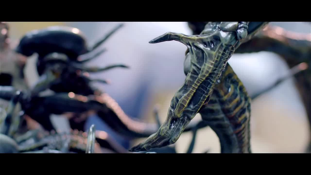 """Alien King. .. The kid in me says """" yeah"""" but I wish this to never become Canon."""